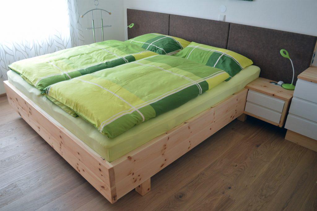 Zirbenholz Möbel - Zirbenholz Schlafzimmer - Tischlerei ...